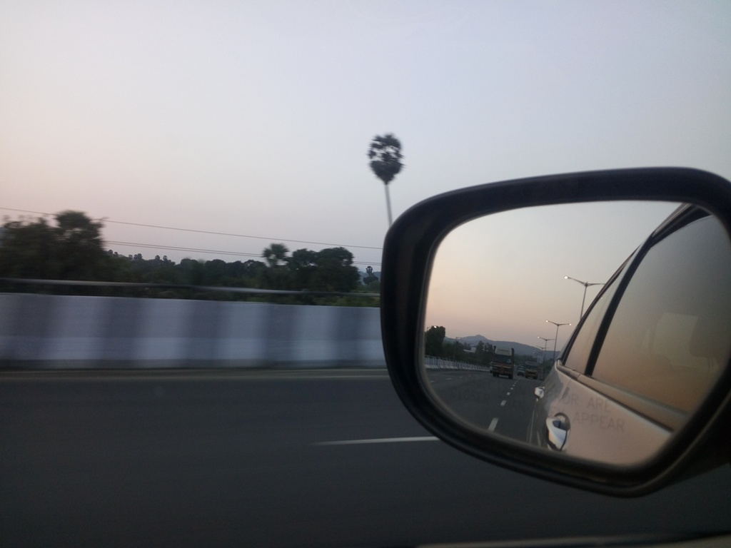 Mumbai-Vapi Highway.jpg