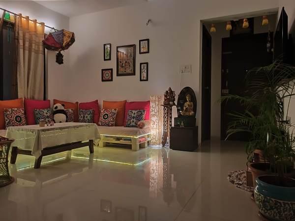 Indian DIY Pallet Sofa